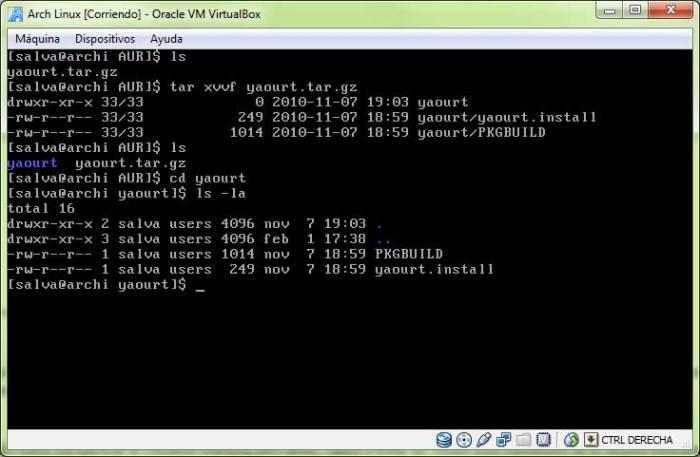 Contenido de la carpeta yaourt que muestra dos archivos: el PKGBUILD y yaourt.install